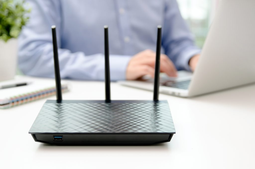 5 Reasons You Shouldn't Hide Your Wireless Access Point / Router In a Closet